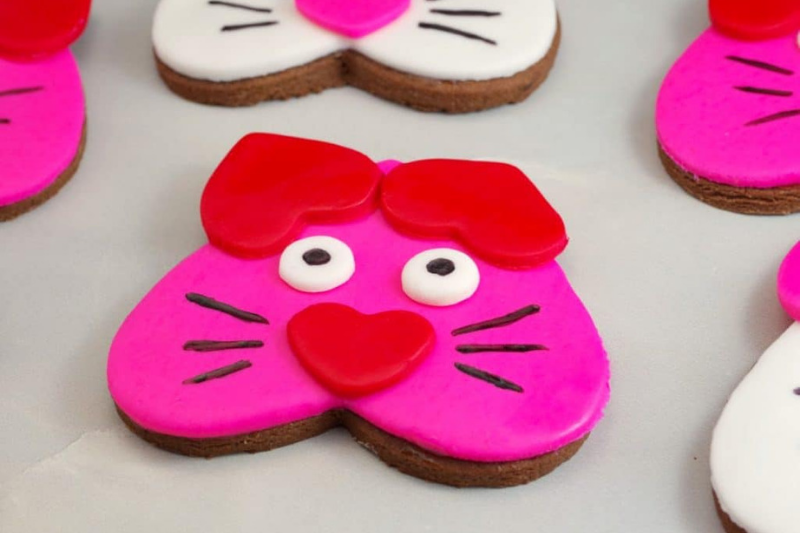Valentine's Day Cat Cookies