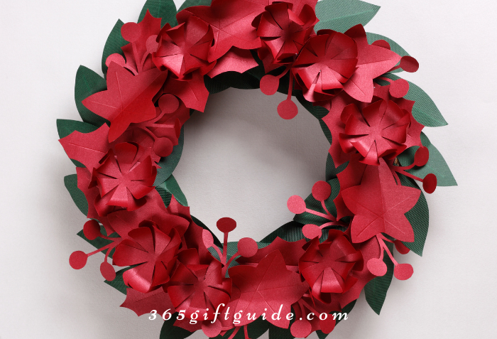 Paper Plate Wreath for Christmas
