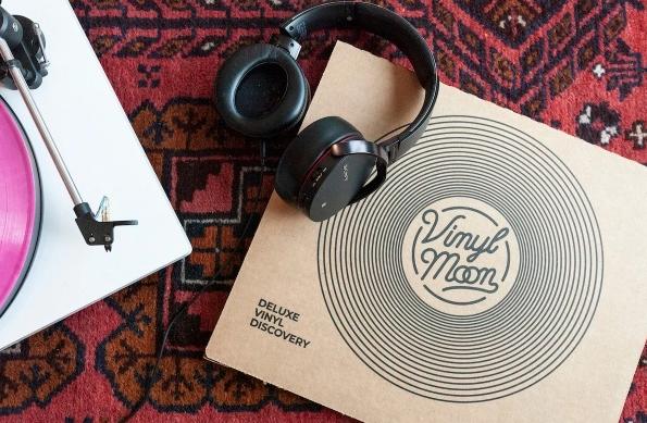 Vinyl Moon Box