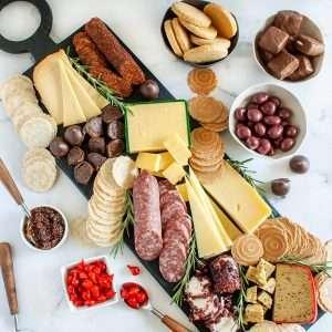 igourmet International Extravagant Gourmet Tastes of The World Charcuterie Gift Box