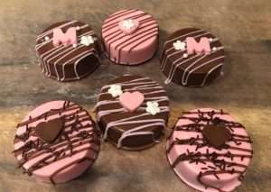 Mother's Day Chocolate Dipped Oreos Gift Box