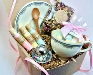 Royal Doulton Gift Basket